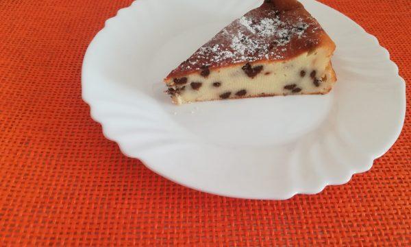 Torta cremosa ricotta e cioccolato senza lievito