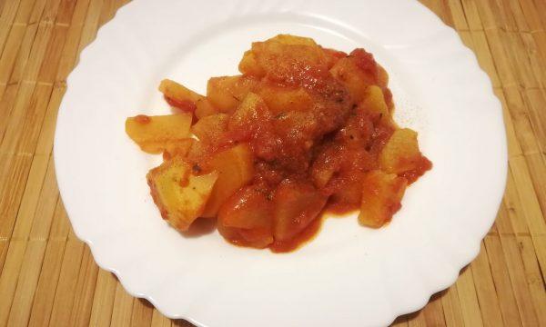 Patate in umido al pomodoro