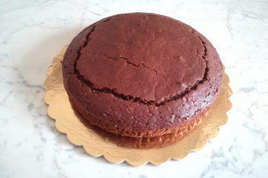 Torta nera all'arancia (senza uova e senza lattosio)