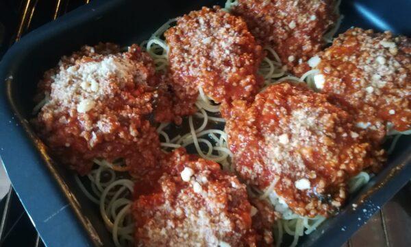 Nidi di spaghetti alla carne