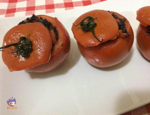 Pomodori ripieni di riso venere e peperoni