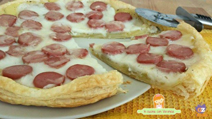 Pizza sfoglia patate e wurstel