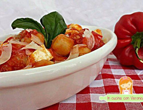 Gnocchi con sugo di peperoni