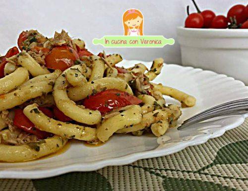 Maccheroncini al Pesto, Tonno e Pomodorini