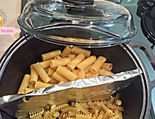 Come cuocere 2 tipi di pasta nella stessa pentola