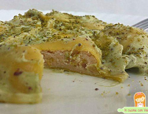 Ravioli al salmone in crema di pistacchio