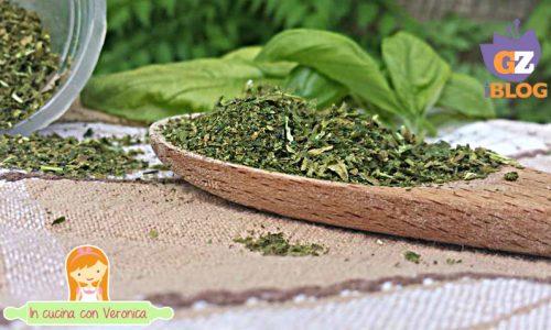 Come essiccare velocemente le erbe al microonde