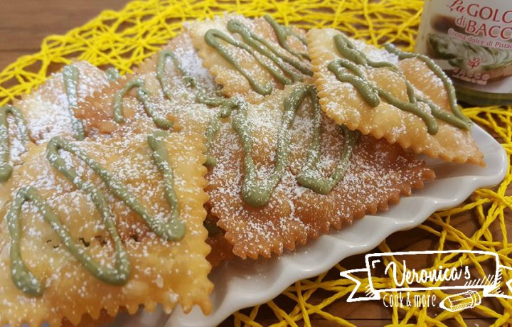 Chiacchere glassate con crema al pistacchio