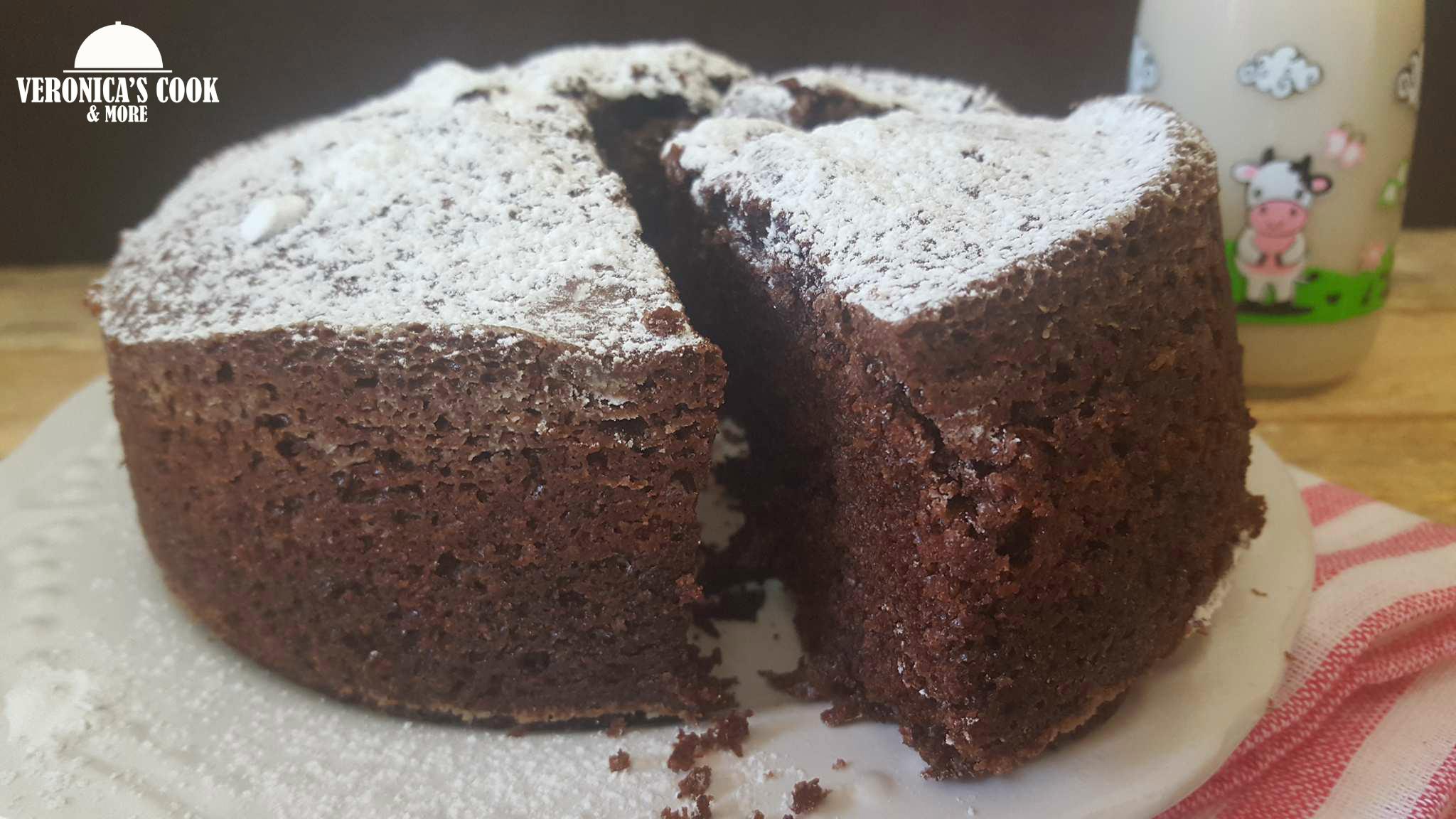 Torta con farina di mandorle e cacao