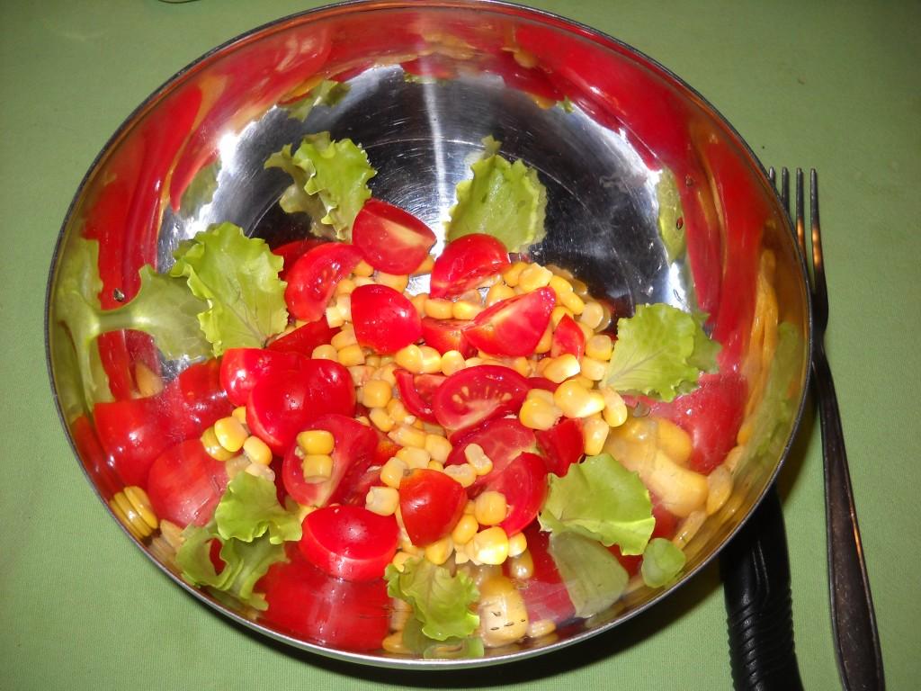 insalata giallo-rosso. Fresca e sfiziosa.
