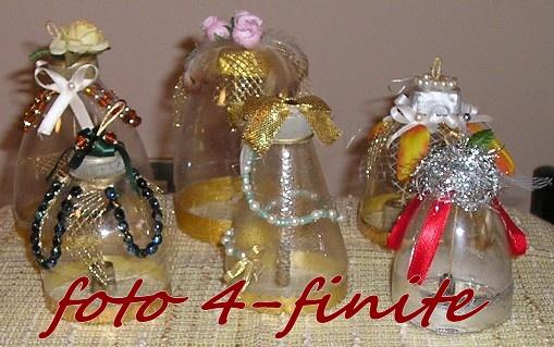 campane di plastica natalizie