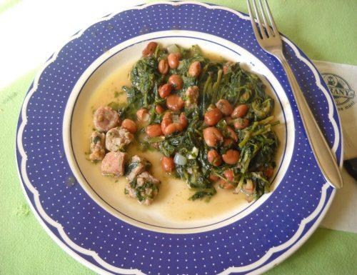 Cicoria con borlotti e salsiccia