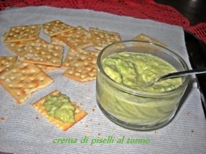 crackers con piselli