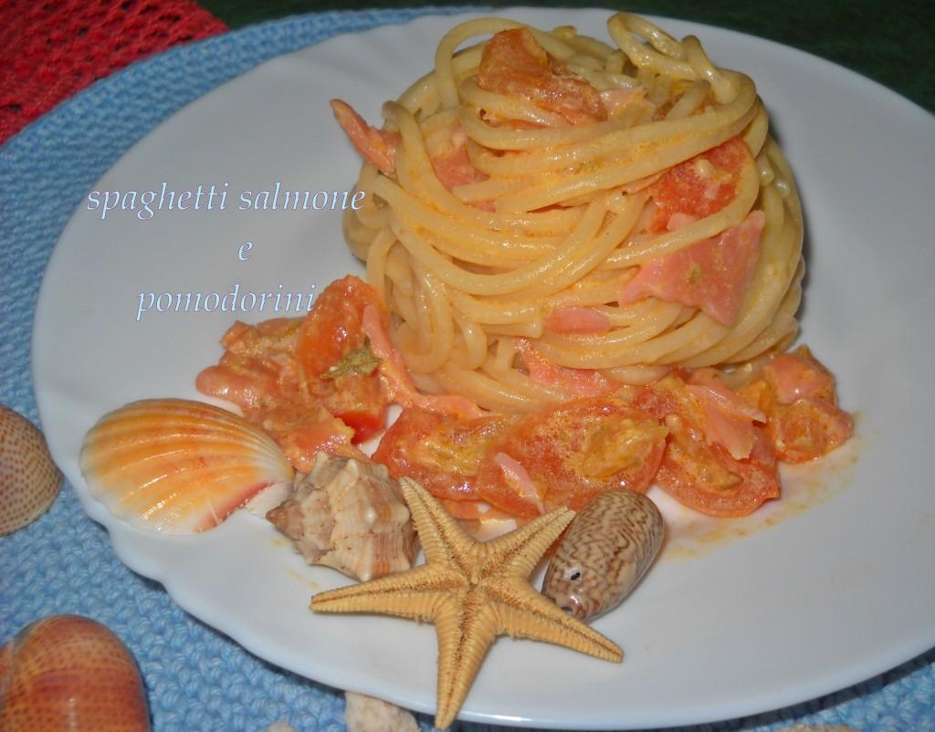 spaghetti salmone e pomodorini