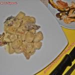 Gnocchi di pane ai funghi porcini
