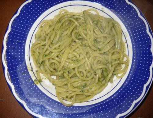 Spaghetti al pesto a modo mio