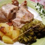 Coniglio al limone con patate e broccoletti