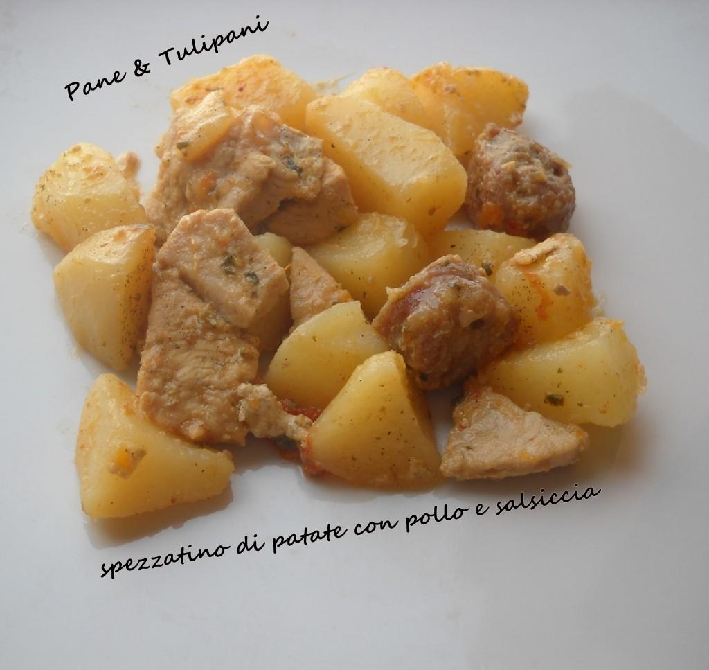 Spezzatino di patate con pollo e salsiccia.1