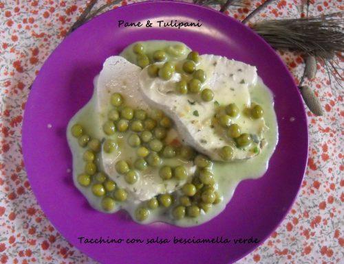 Tacchino con salsa besciamella verde