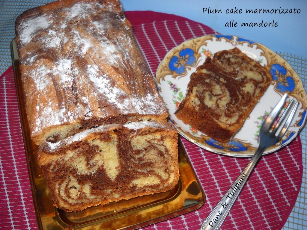 plum cake marmorizzato alle mandorle