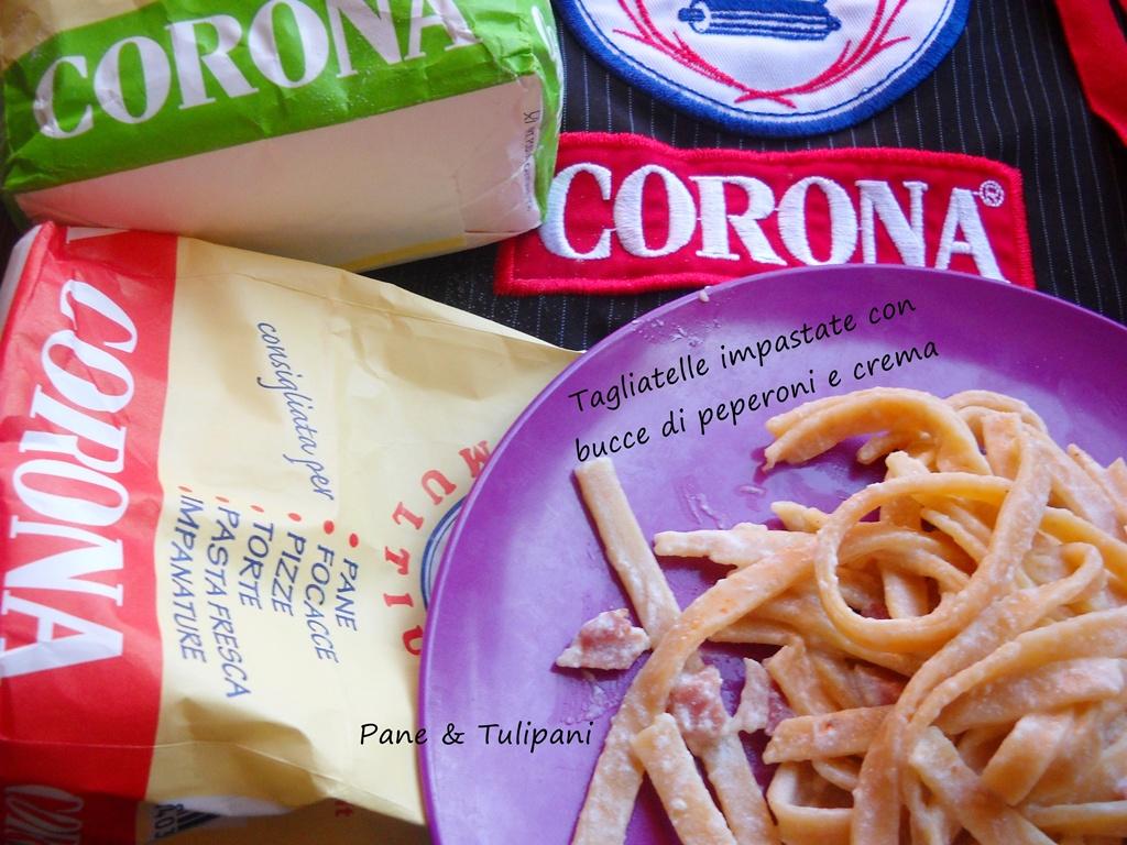 tagliatelle impastate con bucce di peperoni e crema