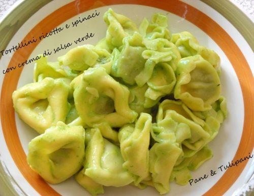 Tortellini ricotta e spinaci con crema di salsa verde