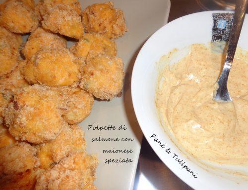 Polpette di salmone con maionese speziata
