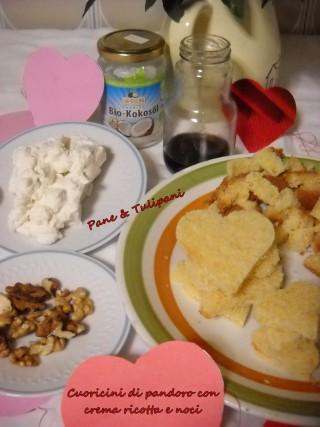 Cuoricini di pandoro con crema ricottta e noci.11