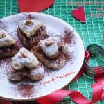 Cuoricini di pandoro con crema ricotta e noci