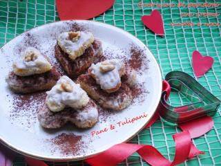 Cuoricini di pandoro con crema ricotta e noci.2