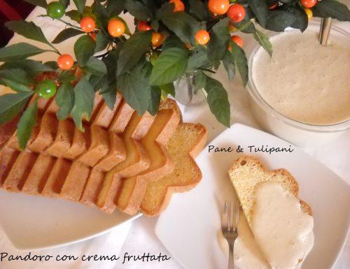 Pandoro con crema fruttata
