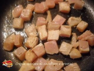Crema speziata di cavolfiore e crostini.7