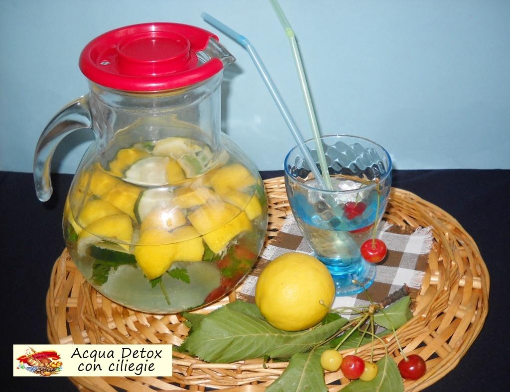 acqua detox con ciliegie