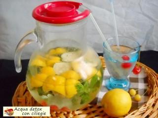 Acqua detox con ciliegie.2