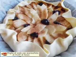 Sfoglia di mele con marmellata di frutti di bosco.5