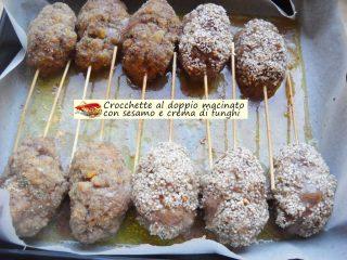 Crocchette al doppio macinato con sesamo e crema di funghi.5