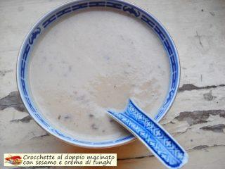 Crocchette al doppio macinato con sesamo e crema di funghi.7