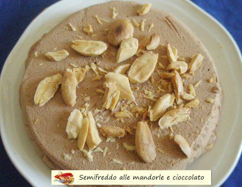 Semifreddo alle mandorle e cioccolato