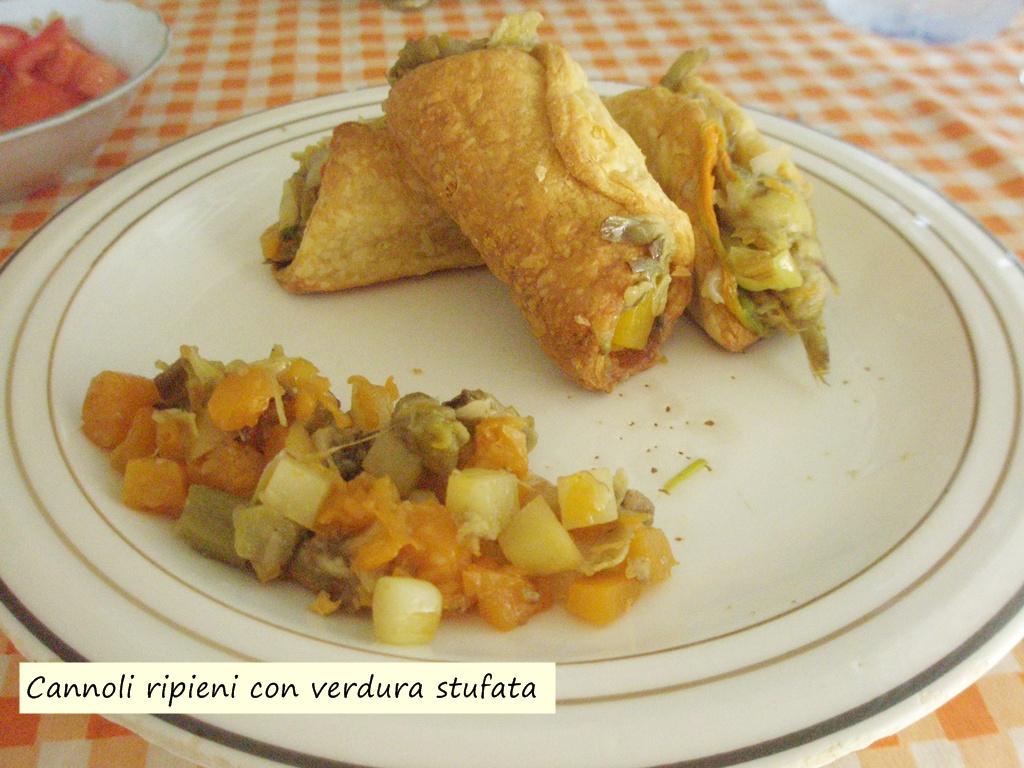 cannoli ripieni con verdura stufata