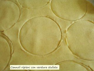Cannoli ripieni con verdura stufata.2