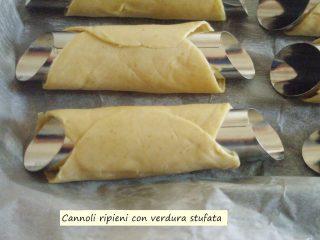 Cannoli ripieni con verdura stufata.4