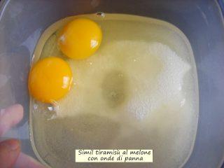 simil tiramisual melone con onde di panna.3