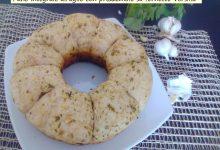 Pane integrale all'aglio con prezzemolo nel fornetto Versilia