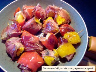 bocconcini di patate con peperoni e speck