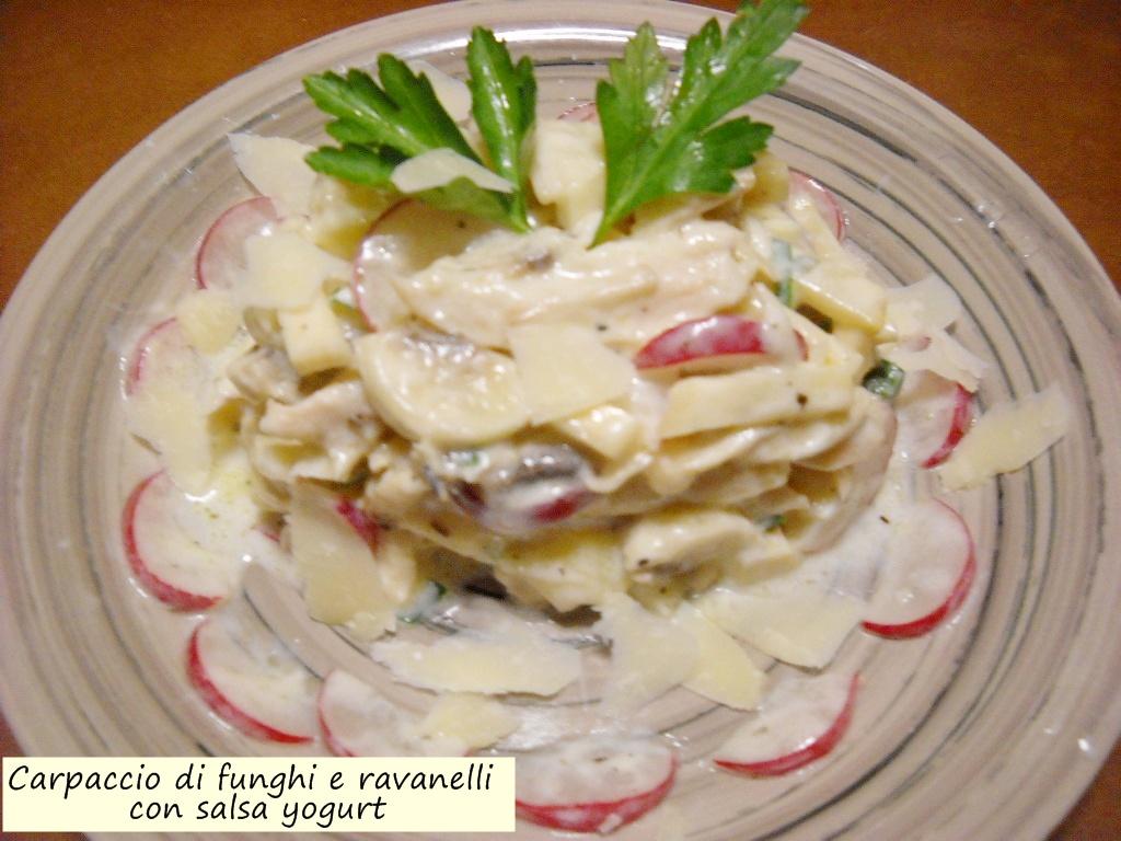 carpaccio di funghi e ravanelli con salsa yogurt