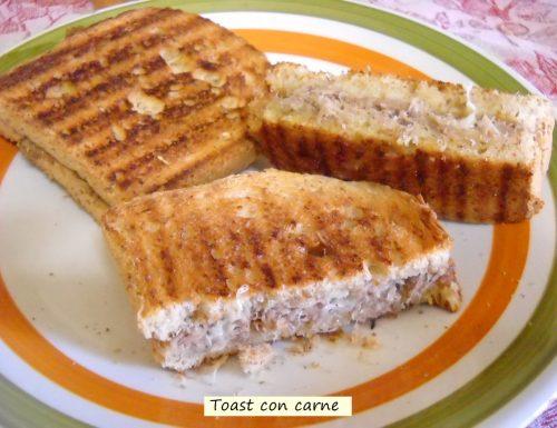 Toast con carne