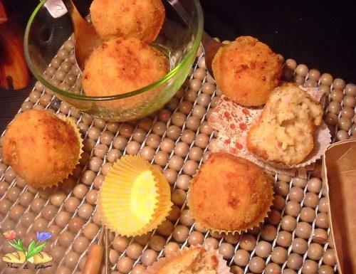 Bomboloni di patate con cuore di fontina