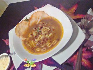 minestra scomposta di gnocchi sardi con lenticchie