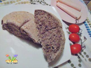 pagnotta con farina di grano saraceno e farina ai cereali