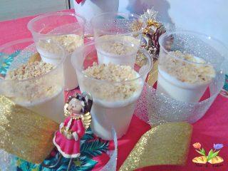 semifreddo di latte con yogurt alla vaniglia